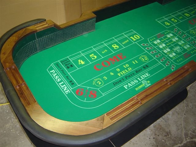 Astonishing Full Size Casino Craps Table For Sale Beutiful Home Inspiration Ommitmahrainfo